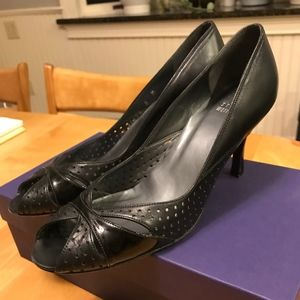 Stuart Weitzman Black Leather Peep Toe Heels Sz 8